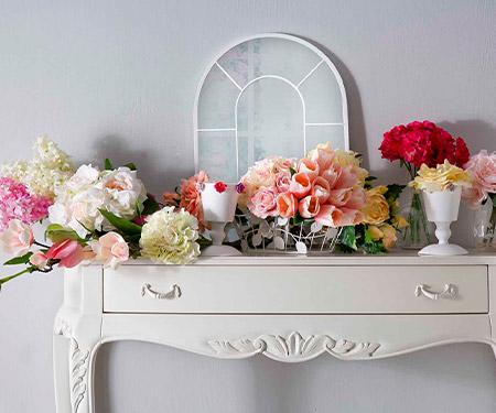 Dekoratif çiçek ve masa örtülerinde %50 indirim ve peşin fiyatına 4 taksit